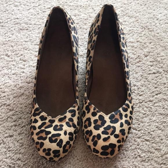 2012e9662db8 Vionic Shoes - Vionic Wedges - Leopard Calf Hair size 8